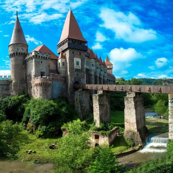 castles-2534343_1280