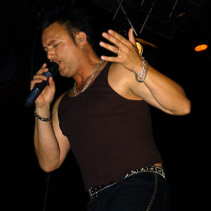 Geoff_Tate,_Queensryche,_Polo_Festival_in_Düsseldorf,_Germany,_Tribe_Tour_2004
