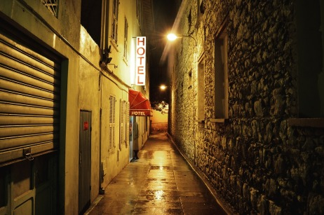 alley-984005_1280